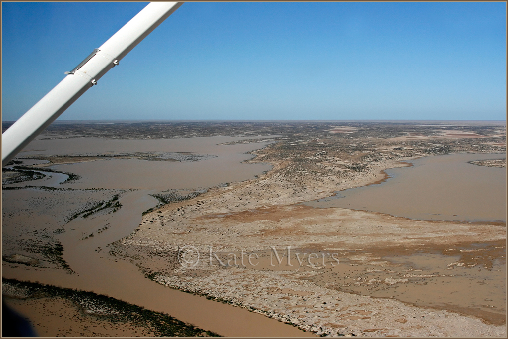 Flight over Lake Eyre 4jpg