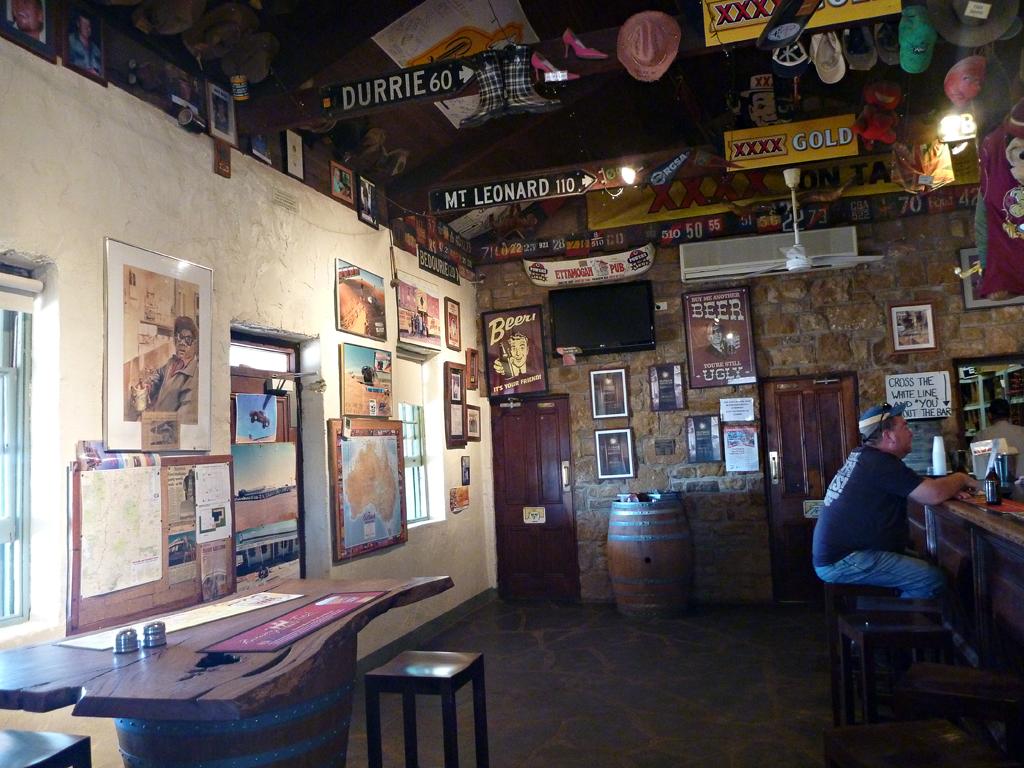 Birdsville-Pub-2