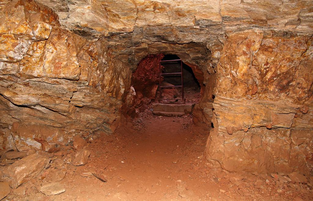 MacDonnell-Range-Reef-Mine