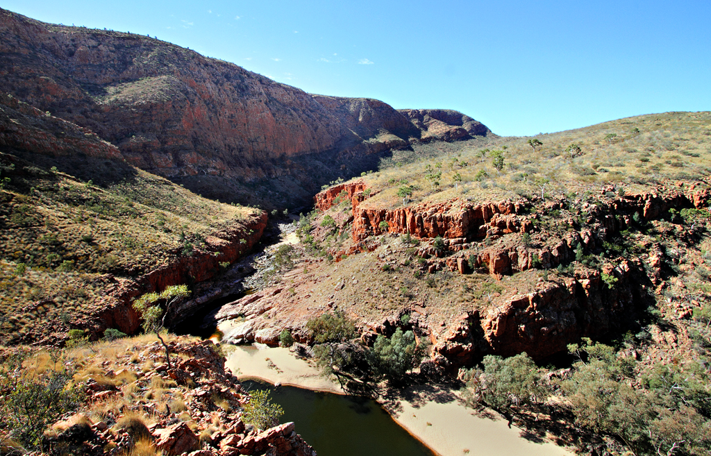 letgotravelaustralia.files.wordpress.com_2013_02_ormiston-gorge-1.jpg