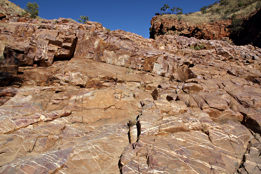 Ormiston-Gorge-Pattern-Rocks