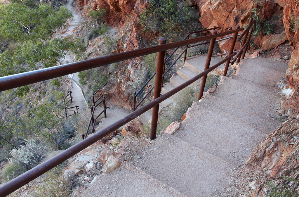 Ormiston-Gorge-Steps