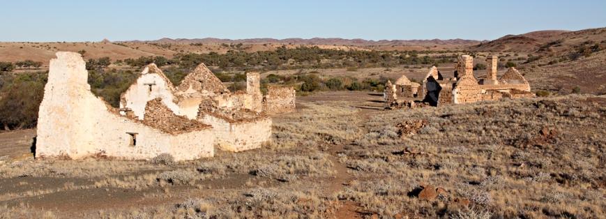Peake-Hills-Ruins-2