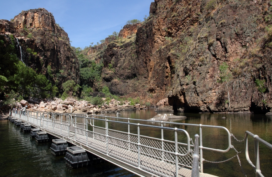 Twin-Falls-Gorge-2
