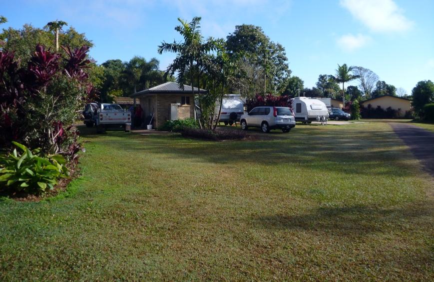 Atherton-Caravan-Park-grassy-sites-1
