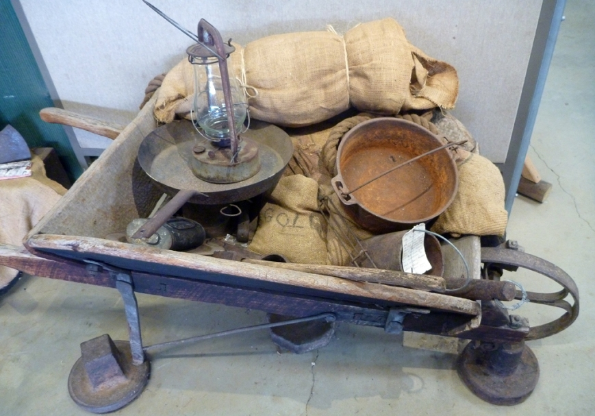 Old-wheelbarrow